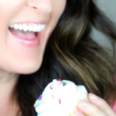 1 Year Blogiversary + Giveaway