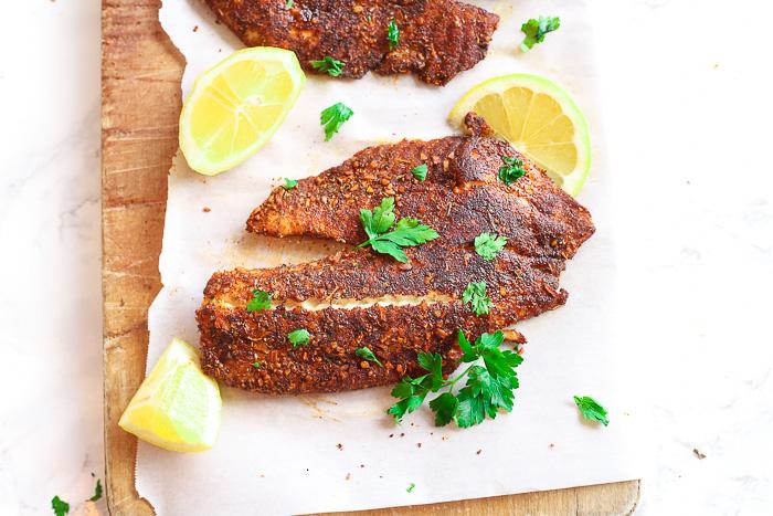 blackened flounder with lemon slices