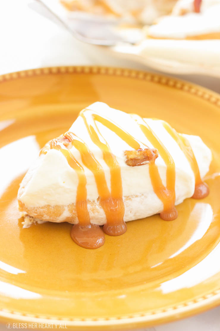 A smooth, sweet, pumpkin dessert that has a mousse-like texture with all the flavor of sweet pumpkin and cream. This gluten-free pumpkin mousse pie is an easy gluten-free option for all those pumpkin pie lovers this holiday season!