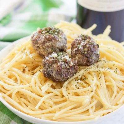 Simple Oven Baked Paleo Gluten Free Meatballs (Video)