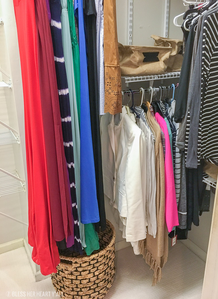 Just in time for the holidays, easy master closet organization tips that will help you stay neat and tidy throughout the busy holiday season with easy and simple ideas that you can do on your own!
