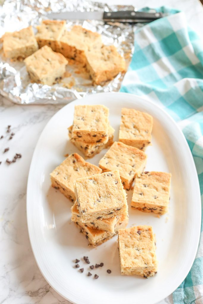 gluten-free vanilla chocolate chip blondies